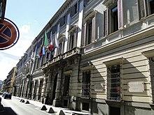 Il Palazzo Cisterna, ex sede della provincia