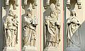 Fassadenplastiken an der Hietzinger Pfarrkirche, Wien 1130.jpg