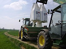 Fertilising operations - geograph.org.uk - 493879.jpg