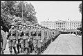 """Fo30141711140076 """"Reservebataljon Holmestrand paraderer for Quisling på Slottsplassen"""" 1942-06-14 (NTBs krigsarkiv, Riksarkivet).jpg"""
