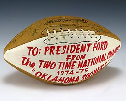 Football signed by 1976 Oklahoma Sooners (1987.574).jpg
