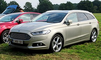 Ford Mondeo - Image: Ford Mondeo estate with relly cropped and tilted