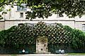 Fountain dans un parc, Paris 2013.jpg