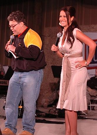 Leeann Tweeden - Franken and Tweeden in Kuwait on their 2006 USO tour