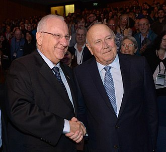 F. W. de Klerk - De Klerk with the Israeli President Reuven Rivlin in 2015