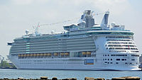 Freedom of the Seas (cropped).JPG