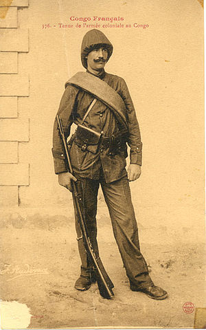 Troupes coloniales - French Congo, c. 1905. Colonial Infantry bleu mecanicien field uniform.