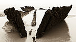 Full length view of ship wreck Burnham beach, Somerset (2999189865).jpg