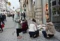 Fusillade de Strasbourg 2018-Hommages dans la rue des Grandes-Arcades (1).jpg
