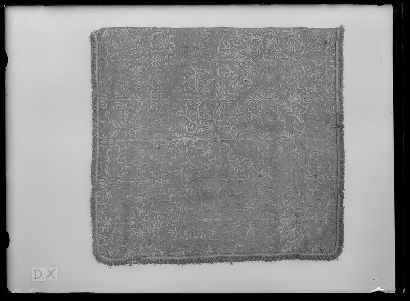 File:Gardin ur en serie av fyra (6018-6021) till Karl XIs kröningsvagn, 1675, Paris - Livrustkammaren - 52005.tif
