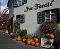 Gasthaus Forelle Eingang mit Kürbisdeko.JPG