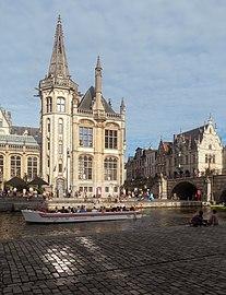 Gent, de toren van het oud Postkantoor oeg25159 en de Sint-Michielsbrug oeg200808 IMG 0460 2021-08-13 18.47.jpg