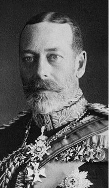 King George V of the United Kingdom GeorgeV Royal Victorian Chain.jpg