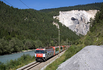 Glacier Express - Glacier Express in the Rhine Gorge