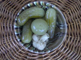 Murături - Some murături (with cucumbers, green tomato, and cauliflower)