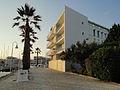Gonçalo Byrne, edifício de habitação, Marina de Lagos.jpg