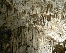 Interno delle Grotte del Cavallone a Lama dei Peligni