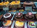 HK 香港 YL 元朗 Yuen Long 阜財街 Fau Tsoi Street 聖安娜餅店 Honor Cakes night Jan 2017 Lnv2 birthday cakes.jpg