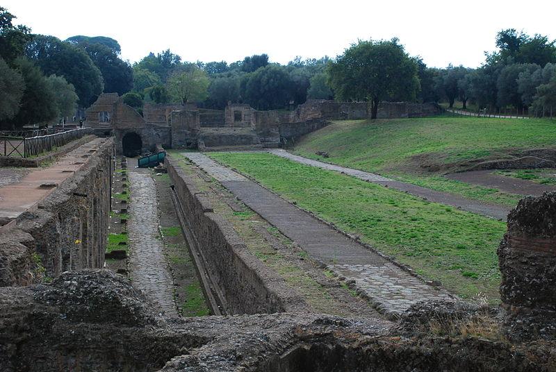File:Hadrian's villa near Tivoli 32.JPG