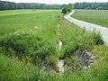 Hainbach Zufluss asphaltierter Weg km 1,9.jpg