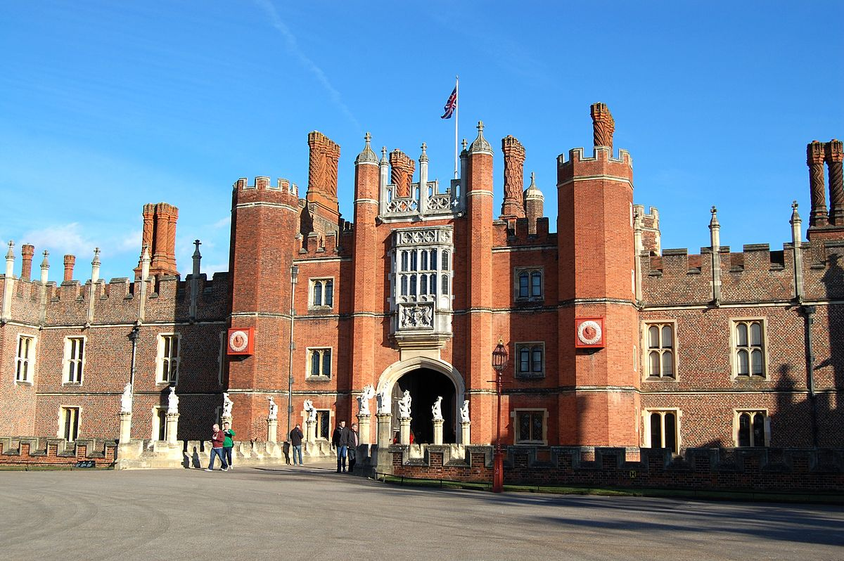 Hampton Court Palace 20120224.JPG