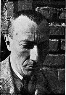 image of Hans (Jean) Arp from wikipedia