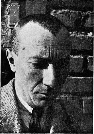 Jean Arp - Photograph of Jean Arp, published in De Stijl, vol. 7, nr. 73/74 (January 1926)