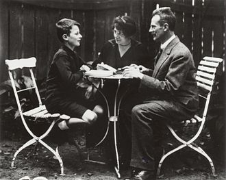 Hans Bethe - Hans Bethe, aged 12, with his parents