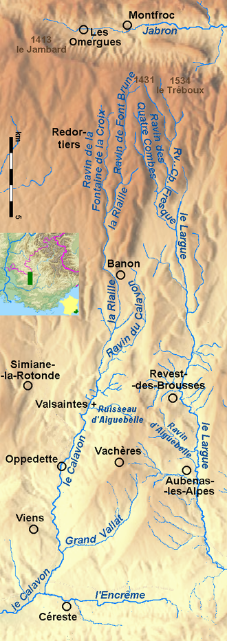 Vachères - Vachères between the upper courses of river Calavon and river Largue