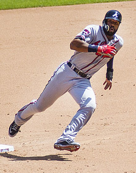 Jason Heyward runs the bases in 2014 Heywardb2014.jpg