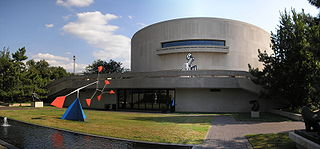 Hirshhorn Museum and Sculpture Garden Art museum in D.C., on the National Mall