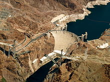 220px Hoover Dam %28aerial view%29 30 April 2009