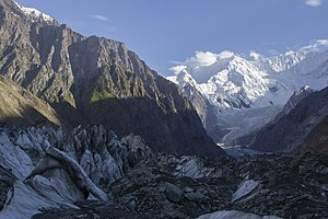 Rush Peak - Image: Hoper Glacier