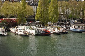 Houseboats on the Seine river in Saint-Cloud 006.JPG