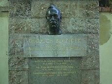 Hrob Oldřicha Blažíčka detail.jpg