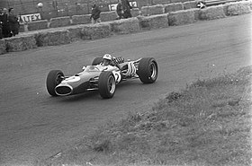 Hulme at 1967 Dutch Grand Prix.jpg