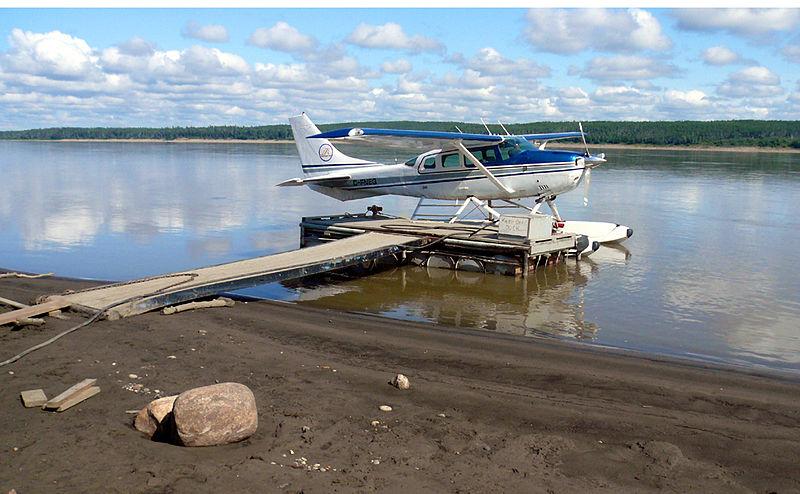 File:Hydroplane mackenzie river.jpg