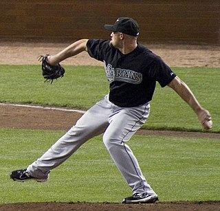 Mike Dunn (baseball) American professional baseball pitcher