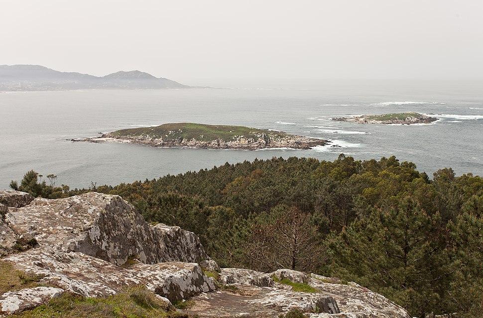 As Estelas dende Monteferro, o fondo Cabo Silleiro.