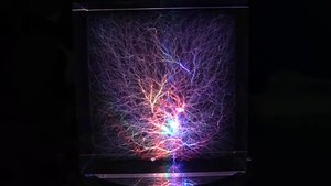 File:Illuminated Lichtenberg Figure.webm