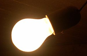 Foto einer Glühbirne (an),