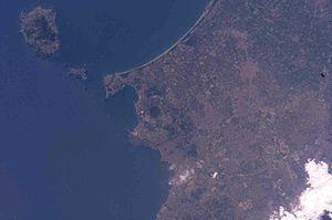 Isla de Isquia y Cabo Miseno.jpg