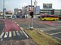 JakartaTransjakartaFahrbahnmarkierungen.jpg