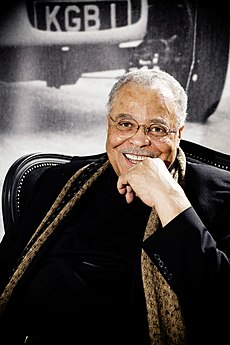 an analysis of james earl jones a voice in the crowd James earl jones essay examples a review of james earl jones' a voice in the crowd 2,475 words 6 pages an analysis of james earl jones: a voice in the crowd.