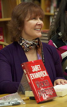 Description de l'image Janet Evanovich 20100914.jpg.