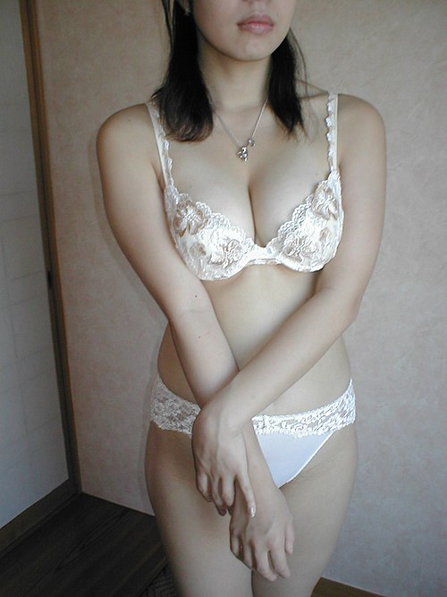 Japanese girl in a white E70 bra