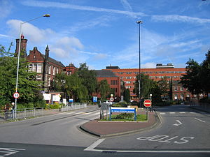 St James's University Hospital - Main Entrance, St James's University Hospital (Gledhow Wing ahead, Lincoln wing on the left)