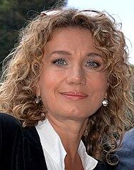 bae83a7ac12d9c Joanna Trzepiecińska – Wikipedia, wolna encyklopedia