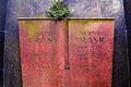 Julius Frank 1862-05-12 1937-01-18 Berta Frank geborene Rosenberg 1873-02-13 1922-02-05 Grabstein nach Entwurf von Wilhelm Mackensen.jpg