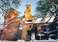 Kapela i kula dvorca u Valpovu izvana.jpg